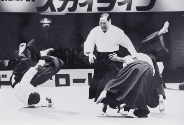 Daito-ryu demonstration by Sokaku Takeda's son, Tokimune Takeda in the 1970s